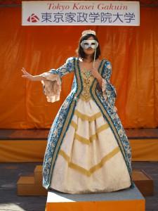 H26「仮面舞踏会」バレエ王妃の衣装