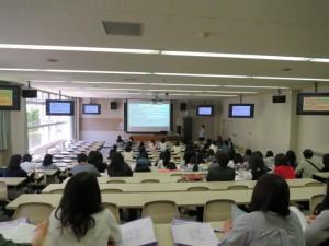 AO入試とはどんな入試制度なのか、本学のAO入試を中心に説明会をしました。